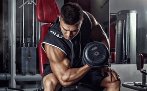 Picture pose, sport, shorts, chair, t-shirt, male, sitting, iron, bodybuilding, muscles, the gym, training, athlete, biceps, ...
