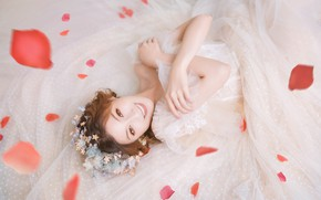 Picture girl, flowers, face, pose, smile, white, petals, dress, outfit, lies, Asian, the bride, photoshoot, wedding