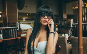 Picture girl, hand, brunette, glasses, long hair, Igor Rybka