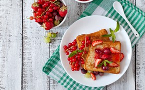 Picture berries, strawberry, dessert, currants, French toast