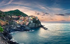 Picture sea, the sky, clouds, mountains, the city, rocks, shore, horizon, Italy, houses, Manarola