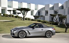 Picture grey, lawn, the building, BMW, Roadster, BMW Z4, M40i, Z4, the soft top, 2019, G29