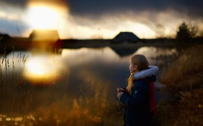 Picture childhood, girl, History of childhood, Silence on the lake