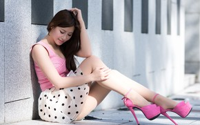 Picture feet, shoes, Asian, sitting