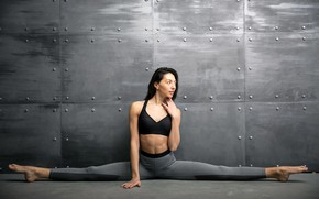 Picture girl, pose, wall, Mike, figure, brunette, sports, fitness, sitting, twine, on the floor, stretching, leggings, …