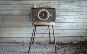 Picture radio, chair, receiver
