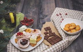 Picture berries, chocolate, cakes