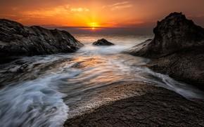 Picture sea, wave, the sky, the sun, clouds, sunset, stones, rocks, shore, surf, sunset sky