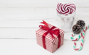 Picture holiday, gift, New year, candy, lollipops