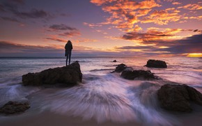 Picture Sunset, Water, Sea, Stream, Wave, Stone, Silhouette, The crimson, Figure, Boulders