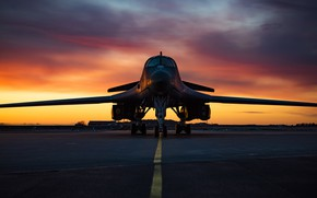 Picture Lancer, B-1B, UNITED STATES AIR FORCE, Rockwell, strategic bomber, with variable sweep wing, supersonic