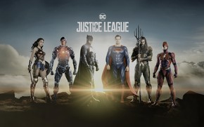 Picture Wonder Woman, Batman, Superman, Cyborg, Flash, Aquaman, Justice League