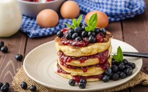 Picture eggs, blueberries, pancake