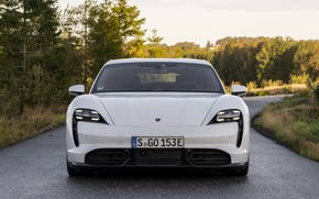 Picture Porsche, front view, Turbo S, 2020, Taycan