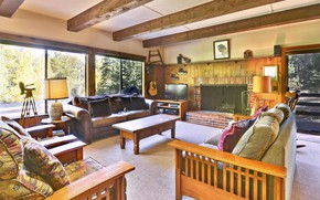 Picture design, interior, fireplace, living room, Lake Tahoe Vacation