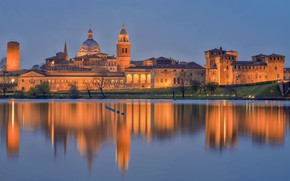 Picture lights, reflection, Italy, Lombardy, Mantua