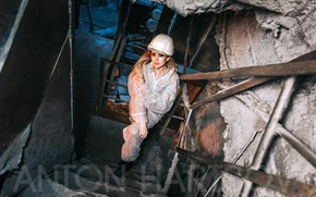 Picture look, pose, plant, model, makeup, hairstyle, blonde, helmet, stairs, is, jumpsuit, overalls, looking up, Anton …