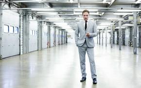 Wallpaper look, costume, male, Tom Hardy