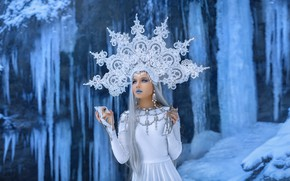 Picture ice, look, girl, hair, crown, mirror, waterfalls, Queen, Andrey Metelkov