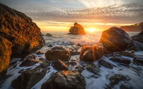 Picture sea, wave, the sun, stones, surf