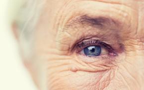 Picture blue eye, wrinkles, older woman