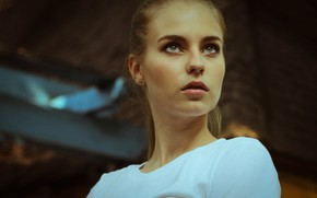 Picture girl, green eyes, photo, photographer, model, bokeh, lips, face, blonde, t-shirt, portrait, mouth, depth of …