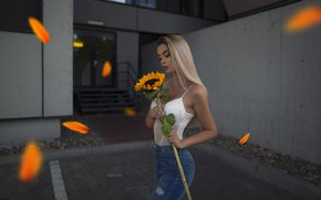 Picture look, girl, pose, hair, the building, sunflower, beautiful