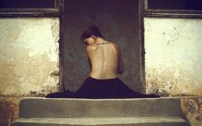 Picture girl, back, tattoo, porch, Assaf Lazar