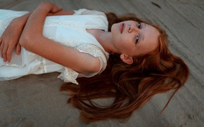 Picture sand, girl, freckles, Juliana Naidenova