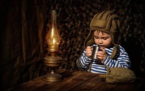 Picture lamp, boy, mug