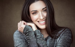 Picture face, pose, smile, model, portrait, hands, makeup, brunette, hairstyle, bokeh, Liliana, Luca Onnis