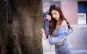 Picture pose, tree, Asian