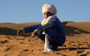 Picture sand, desert, boy