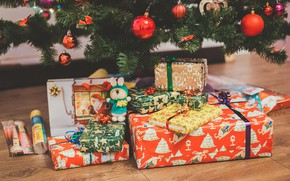 Picture tree, Christmas, gifts