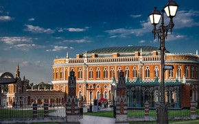 Picture the building, fence, gate, lantern, Moscow, Russia, architecture, Tsaritsyno, House of bread, Museum-reserve Tsaritsyno