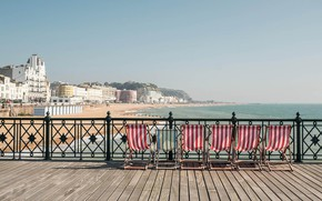 Picture England, sun loungers, Sussex, pier Hastings