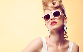 Picture decoration, style, background, model, portrait, earrings, makeup, glasses, hairstyle, blonde, beauty, in white, bokeh