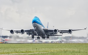 Picture Grass, The plane, Airport, Boeing, The rise, WFP, Airliner, Boeing 747, Chassis, KLM, A passenger …