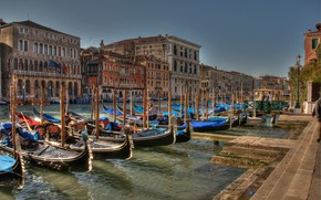 Picture the sky, the sun, HDR, home, boats, Italy, Venice, channel, piers