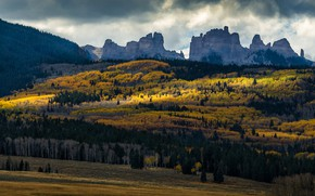Picture autumn, forest, clouds, light, mountains, tops, frowning