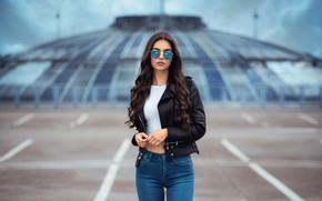 Picture girl, jeans, glasses, jacket, long hair, curls, Anatoly Oskin, Laura Theresa