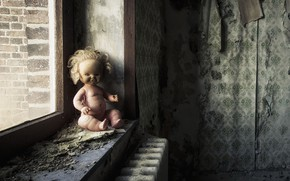 Picture room, doll, window, naturalism
