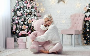 Picture girl, smile, mood, bear, New year, tree, sweater, Teddy bear, hugs, Dmitry Arhar, Katerina Shiryaeva