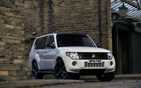 Picture white, wall, border, Mitsubishi, 2012, Black, Pajero, SUV, Shogun, the five-door, Montero