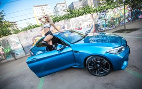 Picture auto, look, Girls, BMW, beautiful blonde, posing on the threshold of the machine