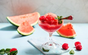 Picture raspberry, watermelon, cocktail