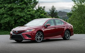Picture red, Toyota, sedan, 2018, Camry, four-door, SE Hybrid