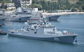 Picture frigate, mooring, Sevastopol, the project 11356, Admiral Makarov, author Erne