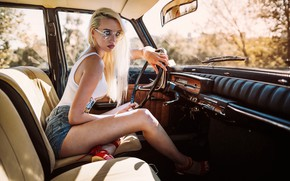 Picture look, pose, model, shorts, makeup, Mike, figure, glasses, hairstyle, blonde, driving, car, sitting, salon, sandals, …