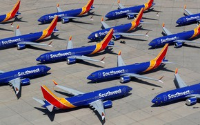 Picture The plane, Liner, Boeing, Parking, Boeing 737, Airliner, Boeing 737 MAX, Southwest Airlines, 737 MAX
